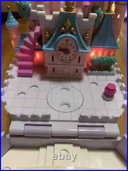 Bluebird 1995 Polly Pocket Disney Cinderella Castle with carriage And Figures