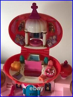 Disney Polly Pocket Aladdin Jasmines Palace with 9 Figures