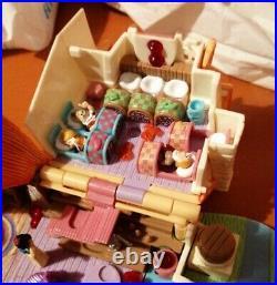 Polly Pocket 1995 Disney Snow White Cottage ALL 9 Figures Bundle lights up