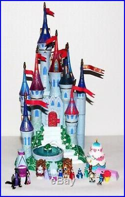 Vintage Sleeping Beauty Castle (Blue) 1998 Trendmasters Polly Pocket Figures